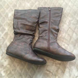 Women's Forever Boots Size 6.5 Brown